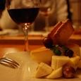 チーズケーキとワイン