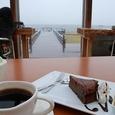 ガトーショコラとコーヒーと雨の日本海